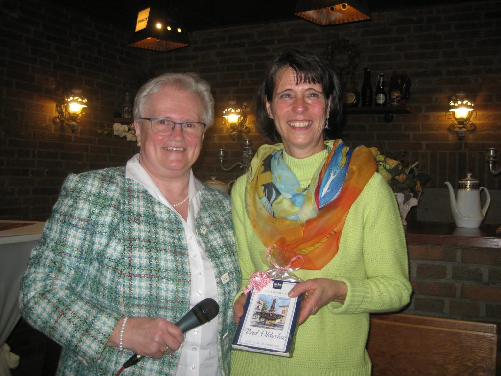Ilse Spierung und Renate Frank auf der Jahreshauptversammlung 2019