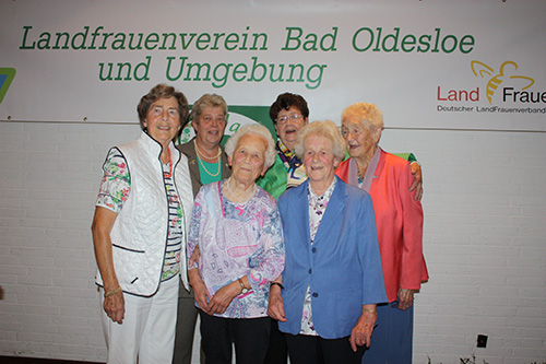 Frau Radtke, Frau Behnk, Frau Röpke, Frau Stoffers, Frau Stoffers und Frau Tjarks