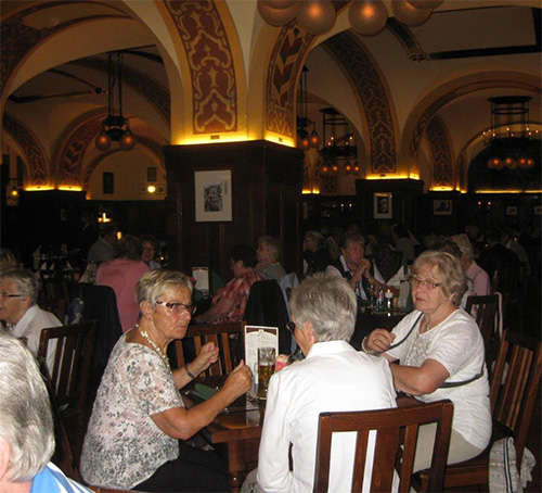 "Auerbachs Keller, das aus Goethes ""Faust"" bekannte Restaurant."