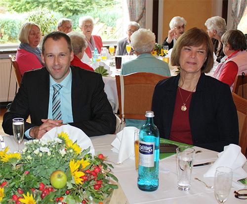 Herr Beck und Frau Röhr bei der 70 Jahr Feier