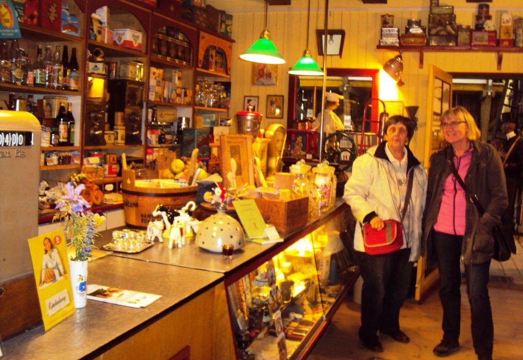 Ein Kaufmannsladen im Museum für vergessene alte Handwerke in Steinhorst.