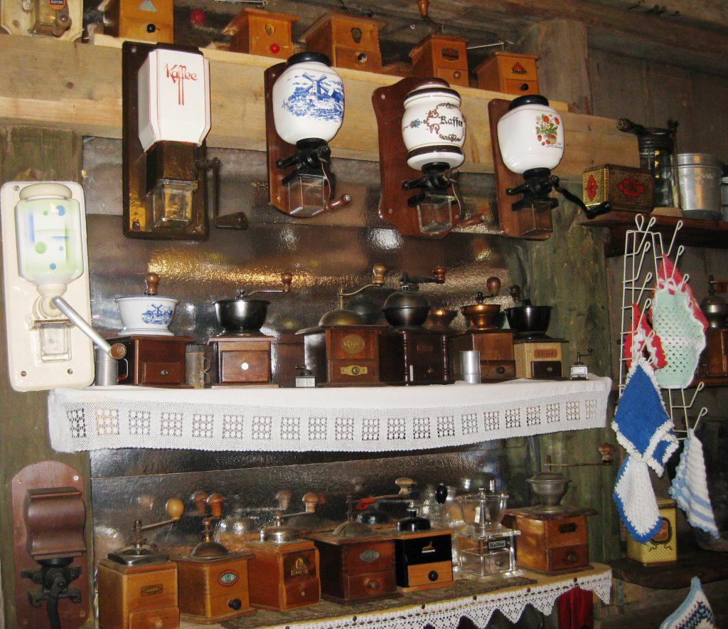 Kaffeemühlen im Museum für vergessene alte Handwerke in Steinhorst.