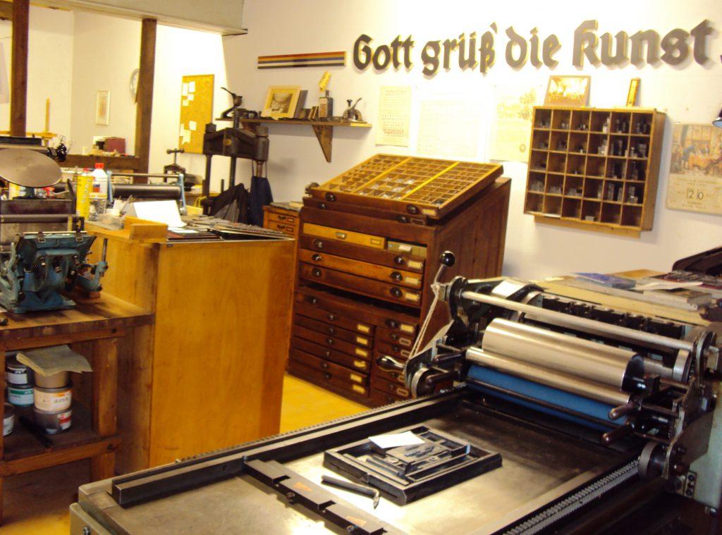 Eine alte Druckerei im Museum für vergessene alte Handwerke in Steinhorst.