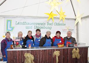 Stand der Landfrauen auf dem Adventsmarkt an der Bad Oldesloer Stormarnhalle