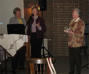 """Frau Dipl. Oecotrophologin Anette Röttger hält einen Vortrag über das Thema """"Tisch oder Tonne"""""""