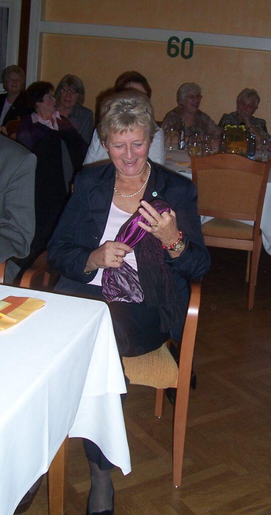 Frau Helga Klindt