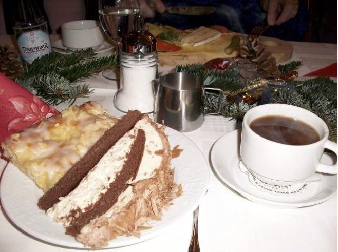 Torte bei Weihnachtsfeier 2009